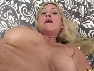 Matures Cala Hankers Has Orgy With A Machine
