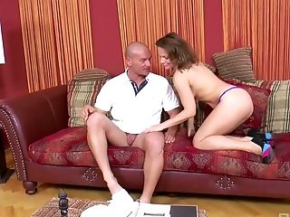 Lucky Masseuse Gets Treated With Bj And Fucks Crazy Sharone Mish