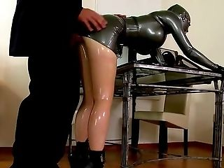 Spandex Fixation For The Married Woman Who Plays Obedient