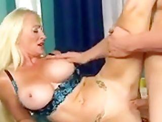 Big Tits Divorcee Eleanor