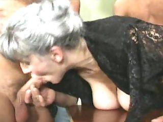 Gratuit mature groupe porno