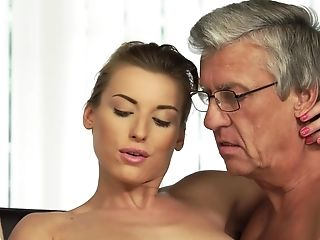Natural Sweetie Cheats On Bf With His Old Stepfather