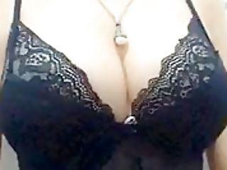 Lady Plya In  A Brassiere