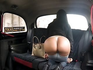 Latina Canela Skin Gives An Accomplished Blowage In The Cab