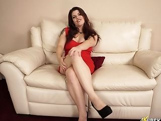 Curvy Chubby Cougar Lucia Love Taunts With Her Captivating Perky Coochie