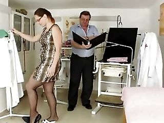 Cougar Hairy Puss Closeups And Real Obgyn Examination