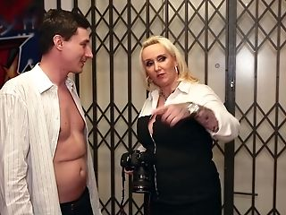 Chubby Big Boobed German Wifey Kitty Wilder Wanna Be Fucked In Bathroom