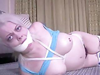 Nadia Roped
