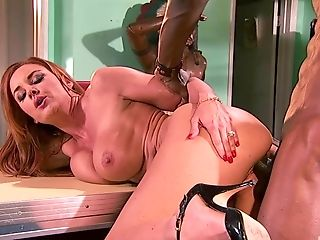 Sandy-haired Mummy Bi-atch Janet Mason Takes A Black Manmeat In Mouth And Cooter
