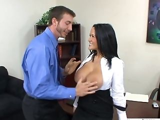 Gorgeous Darkhaired Carmella Bing Make Love