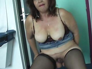 Isabel Masturbating Then Showcasing Her Honeypot In Matures Porno