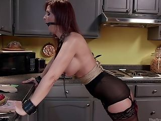 Threesome Fucking In The Kitchen With Tied Up Wifey Syren De Mer