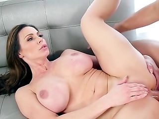 Top Cougar With Amazing Kinks Butt-fucked By Junior Stud