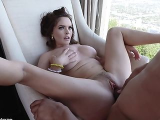 Chesty Krissy Lynn Gives Her Shivering Cunt To Her Paramour Jay Savage