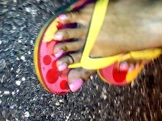 Pretty Feet In Roll Flops
