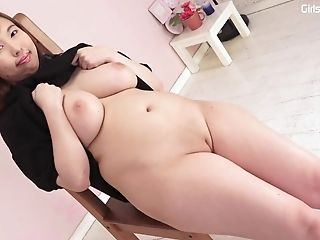 Huge-titted Japanese Sweetie In The Kinkiest Solo Activity