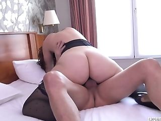 Phat Ass Milky Girl I Never Seen Before - Hot Porno Clip