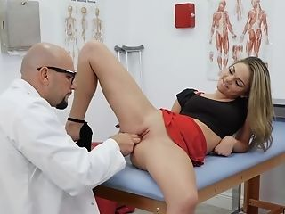 Doc Fucks Youthfull Patient And Cums On Her Nub