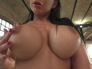 Awesome Belgian Bootyful Valentina Ricci Has Nothing Against Analfuck