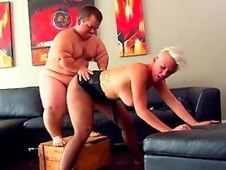 Midget Fucks Blonde Woman And Cums On Her Fine Culo