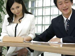 Uncensored Japanese Porno: Hot Lady Miyuki Ojima Got Frigged In The Office