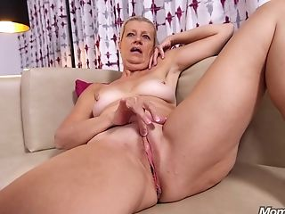 Shameless Chubby Gilf Juliane - Point Of View Porno Movie