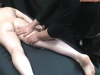 All Natural Dark Haired Gets Erotic Rubdown And Fucking