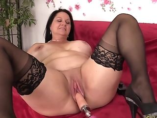 Chunky Matures Beauty Leylani Wood Loves A Machine Induced Orgasm