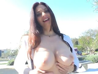 Big Tited Brown-haired Model Mindi Flashes Her Breasts In Public