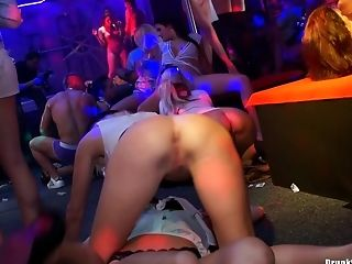 Medium Caboose Chics And Twat Lickers In A Night Club Fuck-fest.