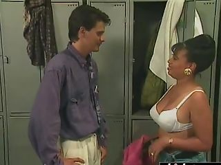 Sexy Black Woman Gets Dicked In The Locker Room