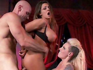Threesome Fucking On The Floor With Isis Love And Luna Starlet