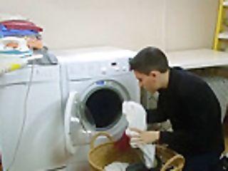 Yam-sized Juggs Mummy Valentina Ricci Gets Banged In Laundry Room