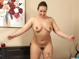Brit Bbw Ashley Rider Takes Off Her Clothes And Shows Yummy Cunny
