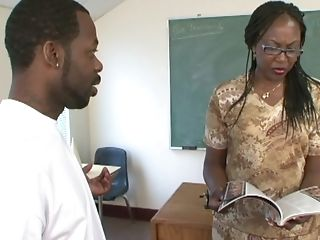 Black Cutie Ms Townsend Makes A Stiff Dick Vanish In Her Cunt